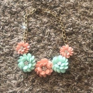 Jewelry - Floral Chunky necklace